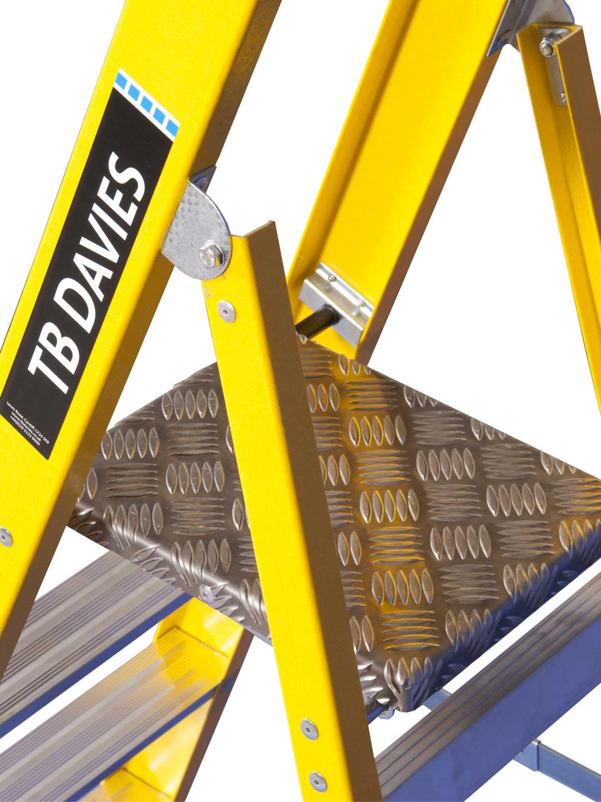 Grp Platform Steps Chase Ladders